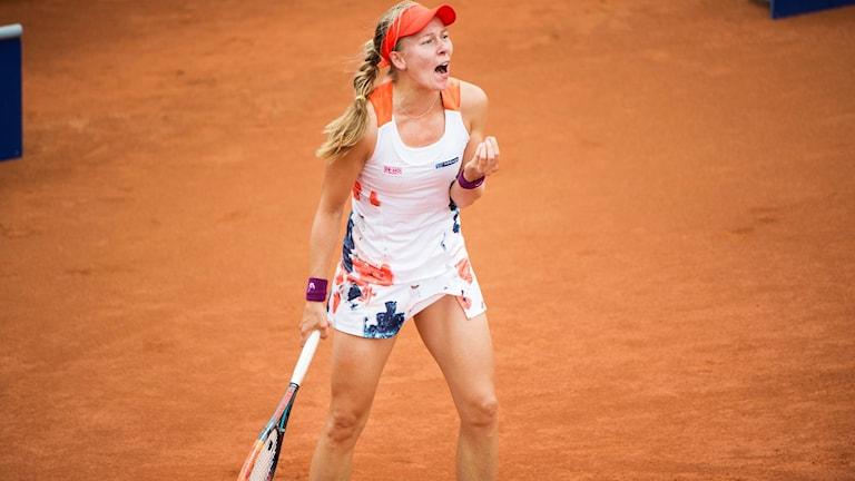 Johanna Larsson är vidare till den andra omgången av Linz WTA-turnering.