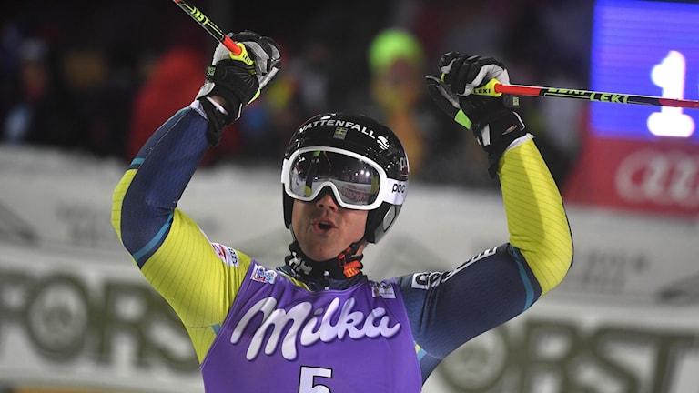 Matts Olsson jublar över sin första VC-seger.