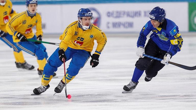 2018-02-03 Sveriges Erik Säfström och Kazakstans Rauan Issaliev