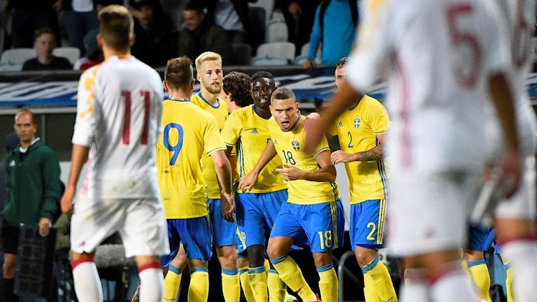 Sverige kvitterade sent mot Spanien.