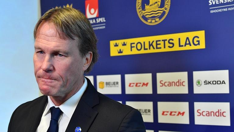 STOCKHOLM 20191202 Tre Kronors förbundskapten Johan Garpenlöv presenterar truppen till Channel One Cup, vid en presskonferens på Hotel Scandic Anglais. Foto Jonas Ekströmer / TT