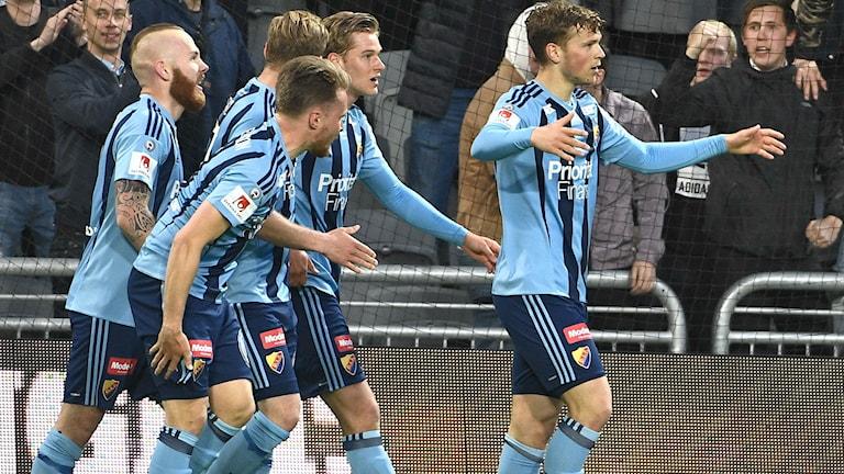 20170515 Djurgårdens Jesper Karlström jublar efter att ha gjort 1-0 under måndagens allsvenska fotbollsmatch mellan Djurgården och IFK Göteborg på Tele2 Arena. Foto: Claudio Bresciani / TT
