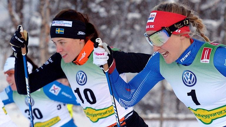 Anna Dyvik, till vänster, mot Stina Nilsson tidigare i vinter.