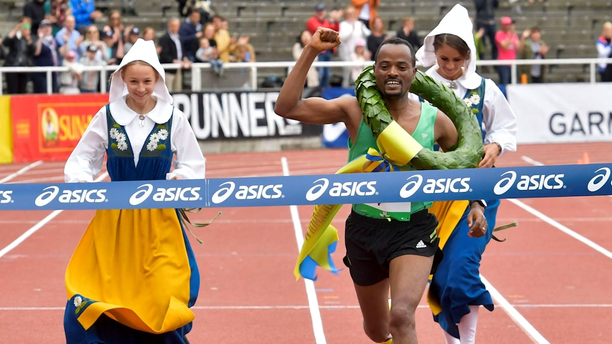 Abra Milaw, Ethiopien, vinner den 39:e upplagan av Stockholm marathon.