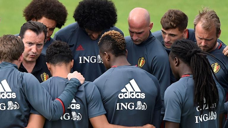 Belgiska landslaget har träningsgenomgång.
