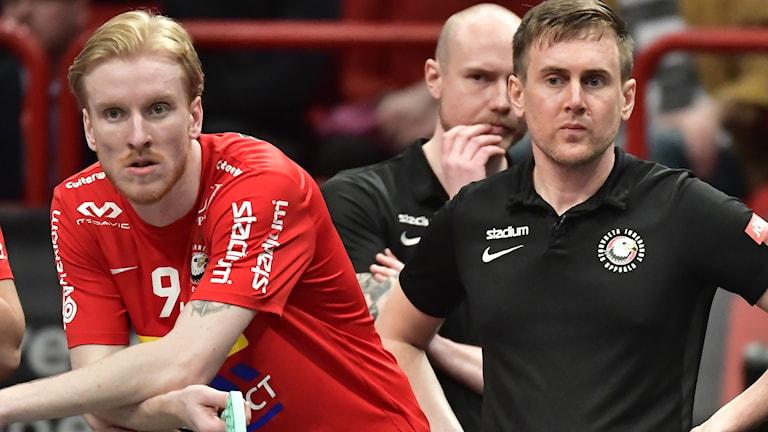 Storvretas huvudtränare Andreas Harnesk tvingas lämna sin post.