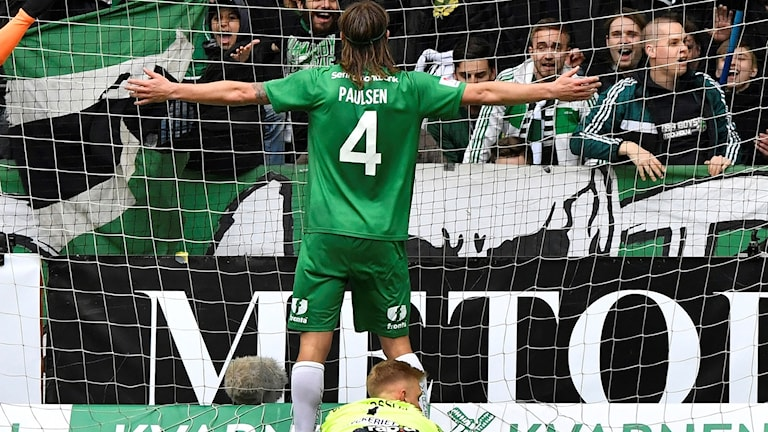 Hammarbys Björn Paulsen jublar efter 3-0 .