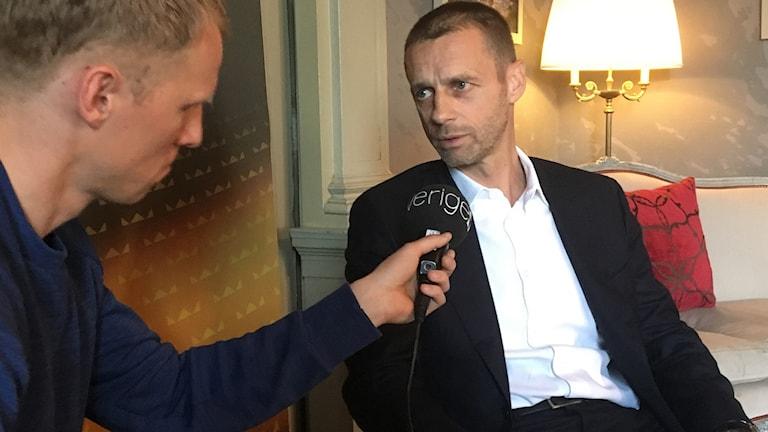 Radiosportens Richard Henriksson har träffat Aleksander Ceferin.