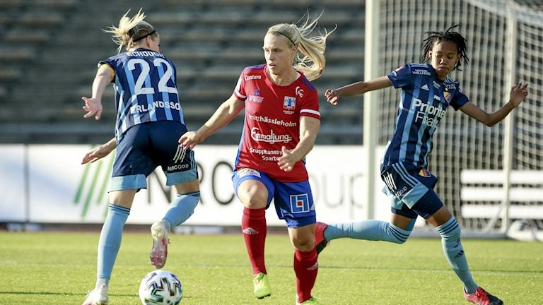 Djurgårdens Olivia Schough, Vittsjös Nellie Persson och Djurgårdens Linda Maserame
