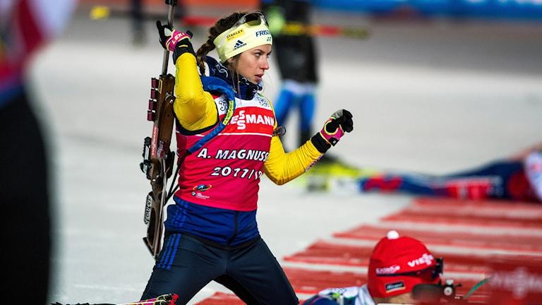 ÖSTERSUND 20171125 Anna Magnusson under lördagens träning på skidskyttestadion i Östersund inför världscupspremiären i skidskytte. Foto: Robert Henriksson / TT