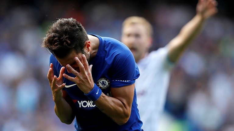 Chelseas Cesc Fabregas får rött kort mot Burnley.