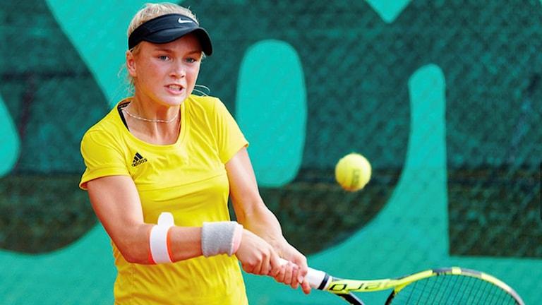 Caijsa Hennemann började spela tennis som 6-åring.