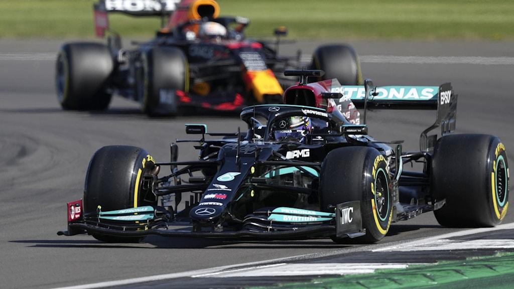 Formel 1-förarna Lewis Hamilton och Max Verstappen.
