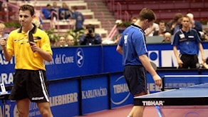 timo boll och jan-ove waldner under en match 2002.