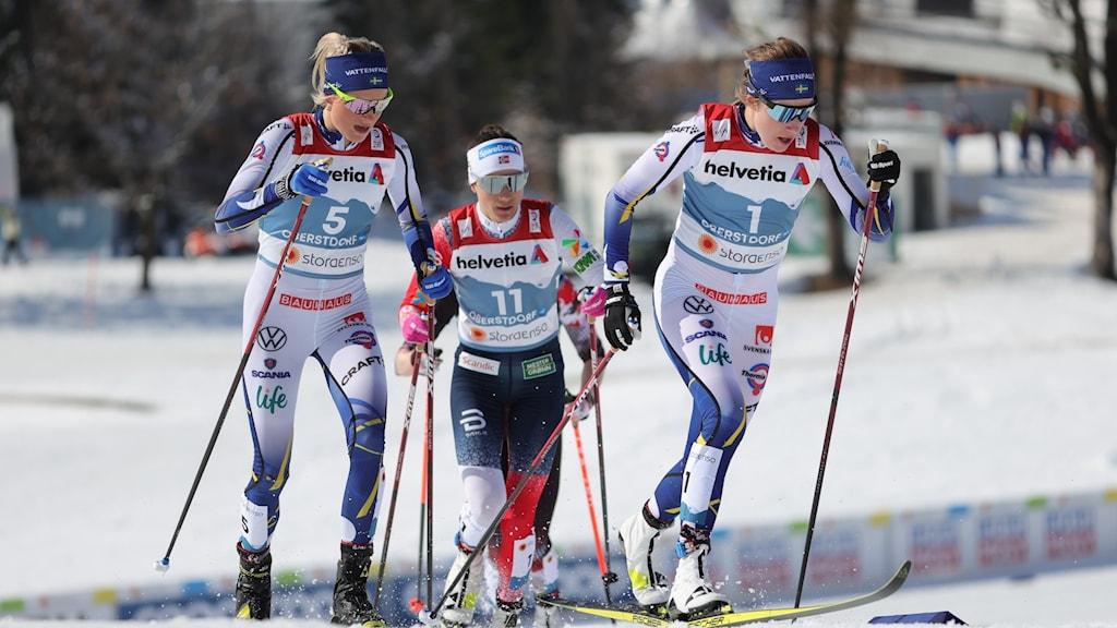 Frida Karlsson och Ebba Andersson under VM 2021.