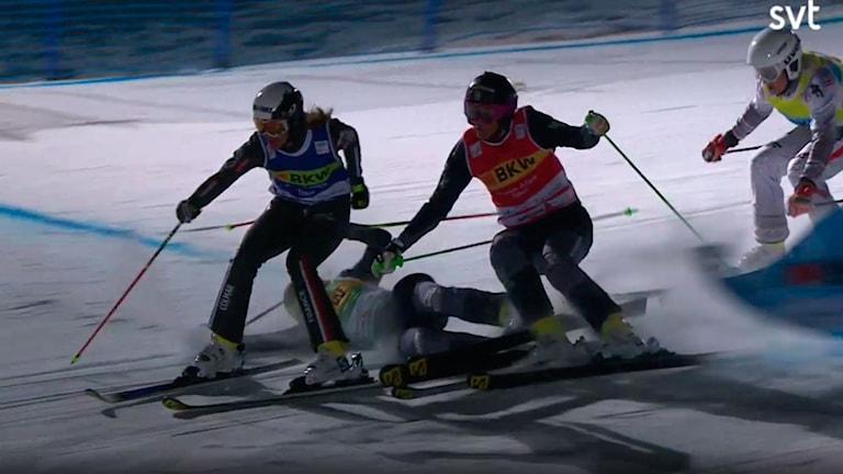 Anna Holmlund och Sandra Näslund körde åter in i varandra.