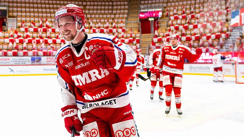 Jonathan Dahlén förde Timrå till seger i den första semifinalen mot Västervik.
