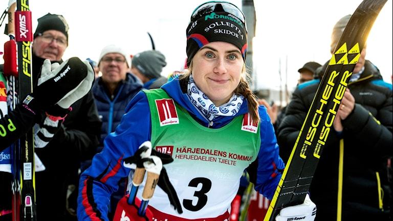 Ebba Andersson på en tredje plats i 10 km (k) vid skidpremiären i Bruksvallarna på lördagen
