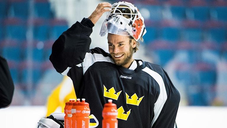 Eddie Läck tränar med Tre kronor inför herrarnas ishockey-VM i Tyskland/Frankrike i maj.