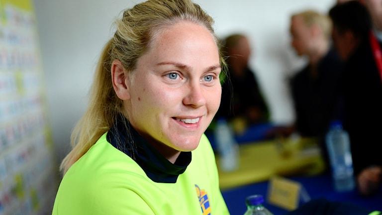 Lisa Dahlkvist blir borta sex månader på grund av en häloperation.