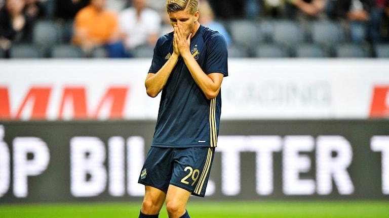 AIKs Anton Saletros missar en målchans i UEFA Europa League, kvalomgång 2, mellan AIK och Zeljeznicar på Friends Arena.