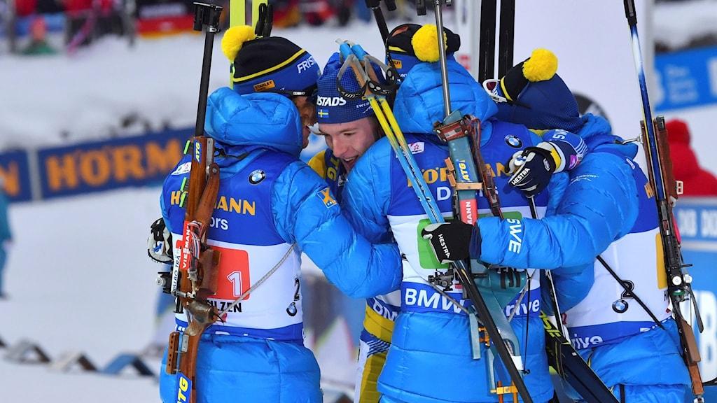 Det var stor glädje i det svenska herrstafettlaget.