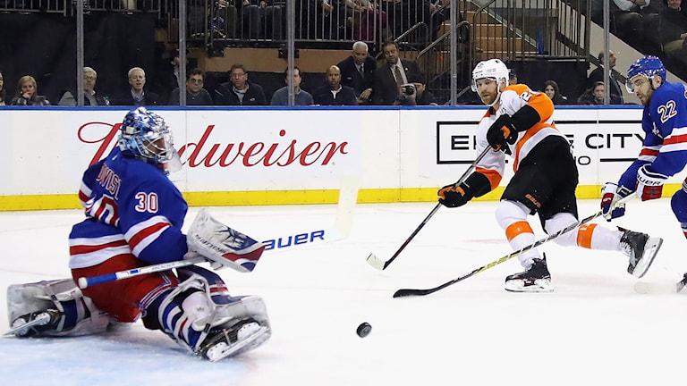 Henrik Lundqvist skrev i natt NHL-historia.