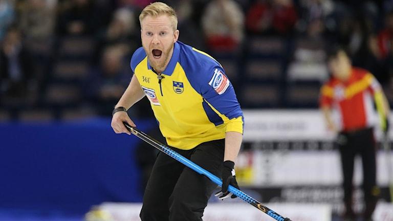 Niklas Edins svenska landslag vann den inledande VM-matchen.