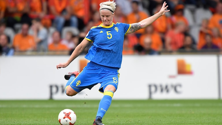 Nilla Fischer i landslagströjan.