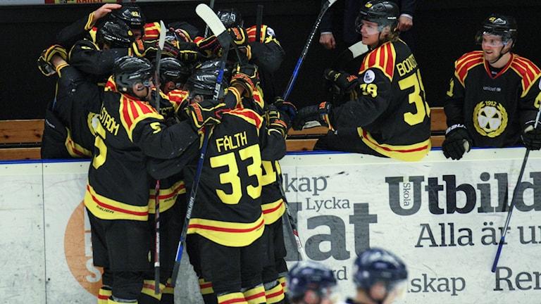 Brynäs jublar mot Linköping.