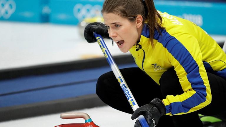 Anna Hasselborg curling. Foto: Aaron Favila/TT