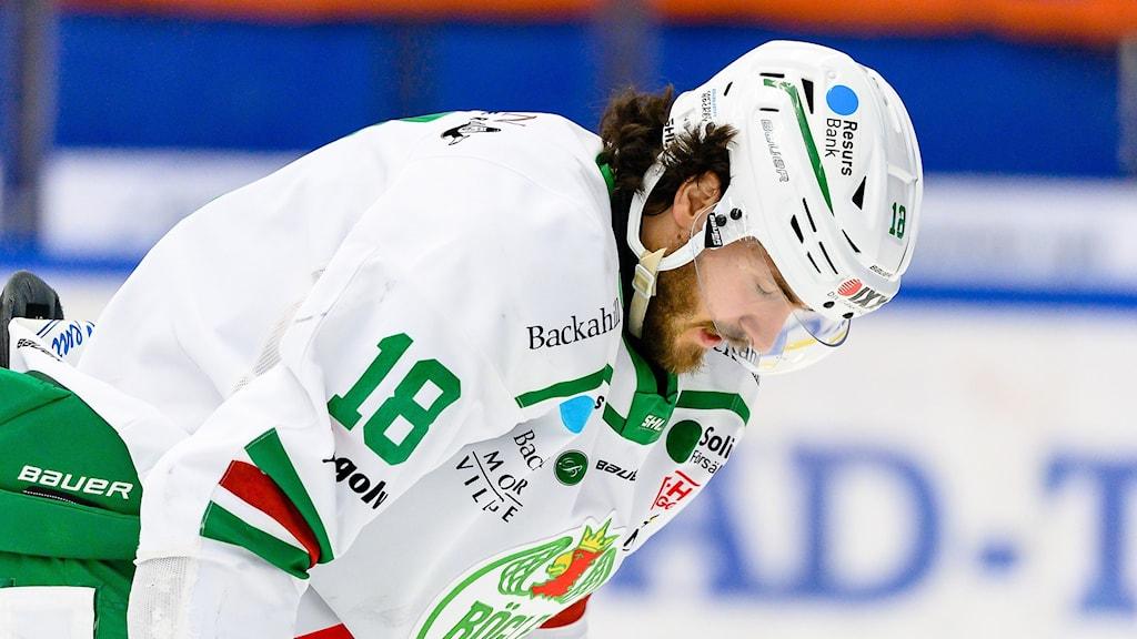 Rögles Dennis Everberg deppar under final två i SHL mellan Växjö och Rögle.