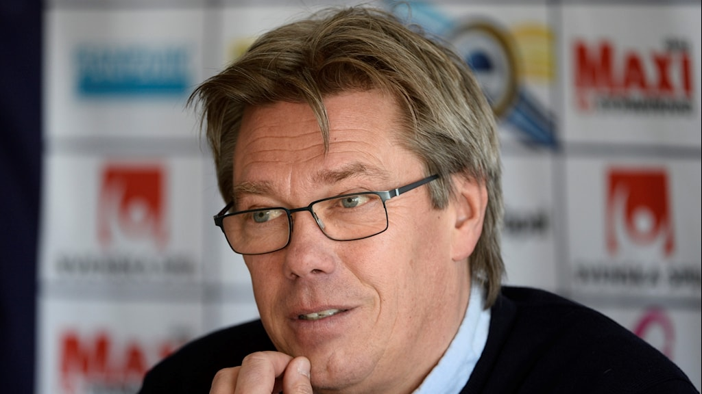 Per Olsson tvingas lämna AFC Eskilstuna.