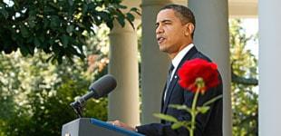 Barack Obama talar i Vita husets rosenträdgård. Foto: Gerald Herbert/Scanpix.