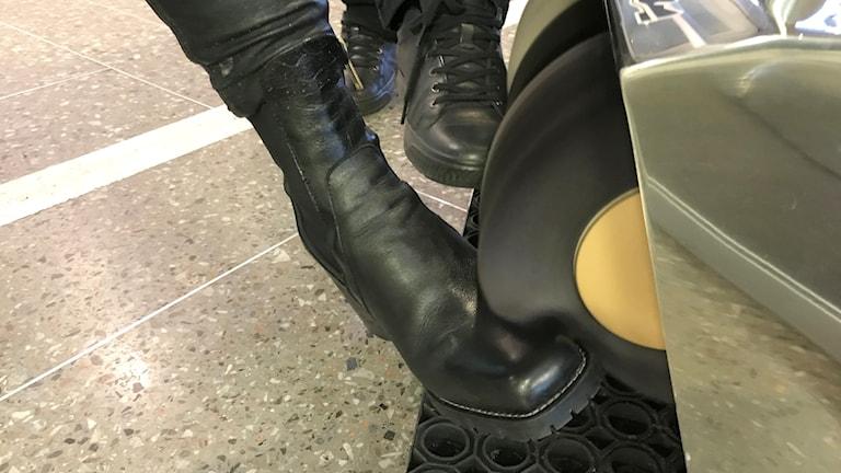 kengänplankkauskone