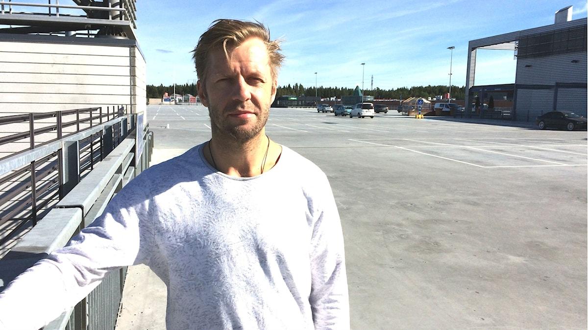 Tomi Kallio odottaa Färjestadin palaavan Ruotsin liigan kärkikahinoihin.