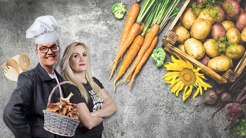 Ena programledaren har kockmössa och köksredskap, och den andra har en korg med svamp. Bredvid ligger det rotfrukter och grönsaker.