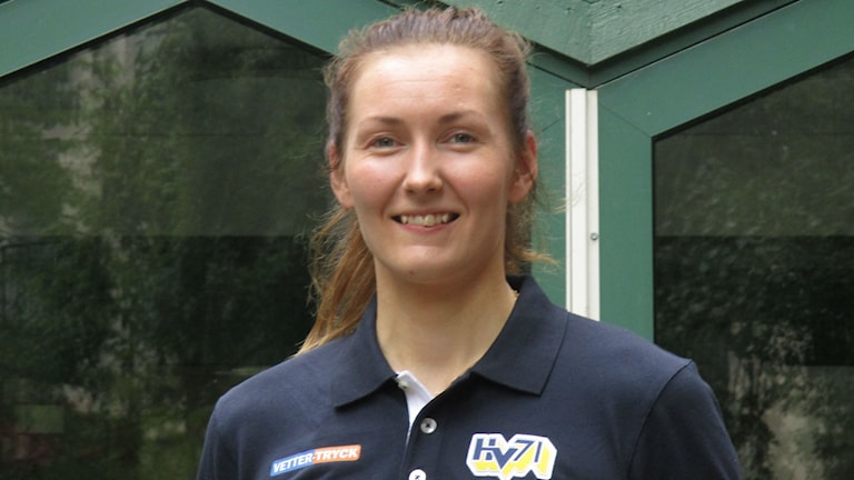 Rosa Lindstedt HV71-puolustaja.
