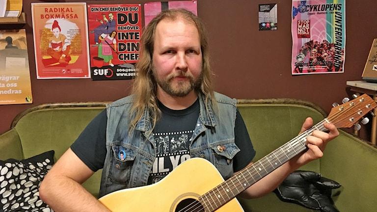 Blueskitaristi Lauri Manner