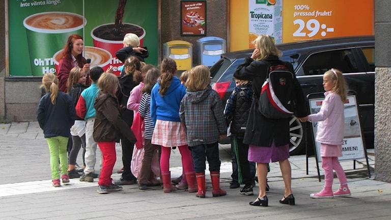 Festivaalijärjestäjän mukaan lasten näytökset ovat keränneet suosiota. Kuva: Annika Lantto/Sveriges Radio