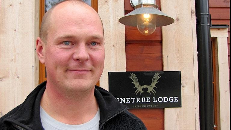 Kangosjärveläinen Johan Väisänen palasi kotiseudulleen pyörittämään menestyksekästä matkailuyritystään Explore the North.