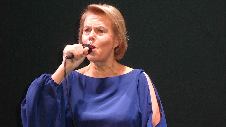 Arja Saíjonmaa esiintyy Foto Kaarina Wallin/Sveriges Radio Sisuradio