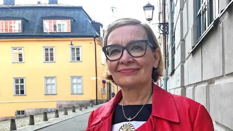 Kuvassa Suomen sisäministeri, kokoomuksen Paula Risikko.