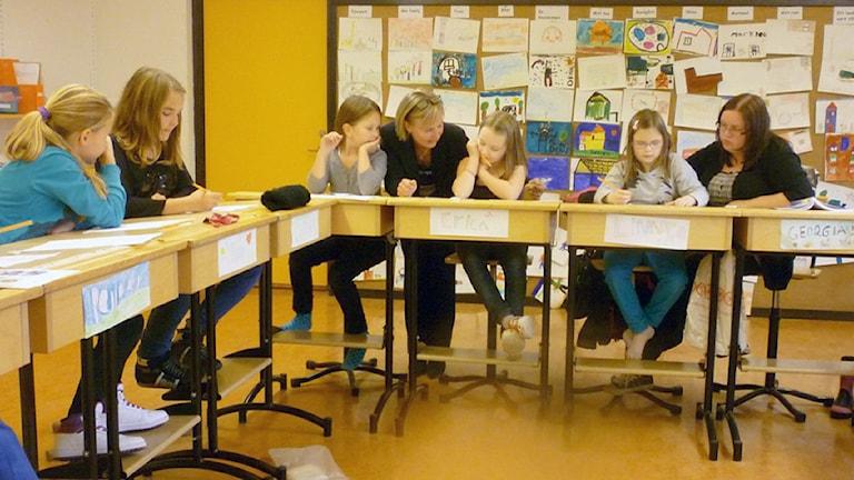 Ruotsinsuomalaisia koululaisia. Kuva: Sirkka Jauho, Sveriges Radio Sisuradio