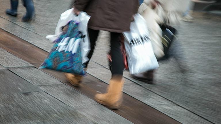 Maniavaiheeseen voi liittyä liika rahankäyttöä. Foto: Audun Braastad/NTB scanpix/TT.