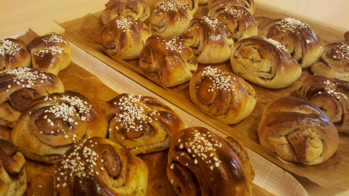 Korvapuusteja, leipurina Meeri Huhta Trollhättanista.Kuva: Ulla Rajakisto/Sveriges Radio Sisuradio