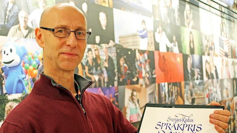 Meänraation Bertil Isaksson sai Ruotsin radion kielipalkinnon.