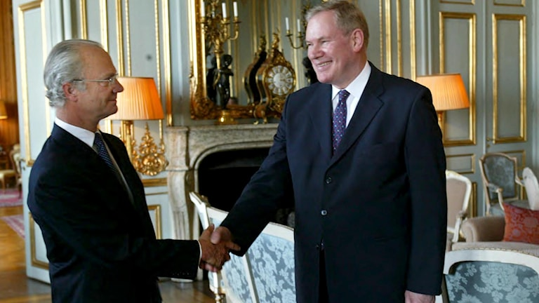 Paavo Lipponen vierailemassa Ruotsin kuninkaan luona. Foto: Jonas Ekströmer, TT