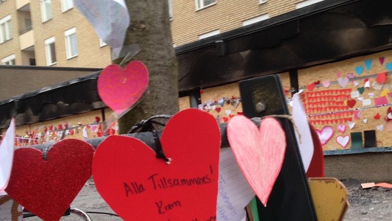 Sydämiä Nyforsin moskeijan pihalla, Eskilstuna
