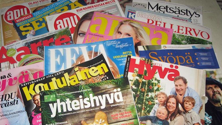 Läjä lehtiä - tärkeitä tuliaisia Suomesta. Kuva: Pirjo Rajalakso, Sisuradio